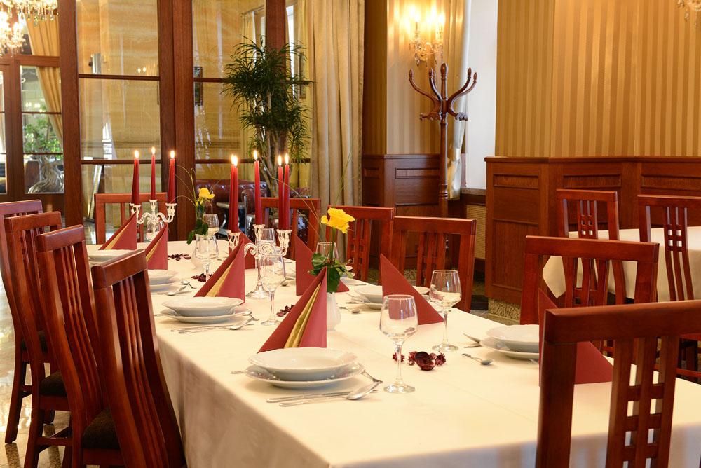 Hotel-Europa-stolovanie-foto2
