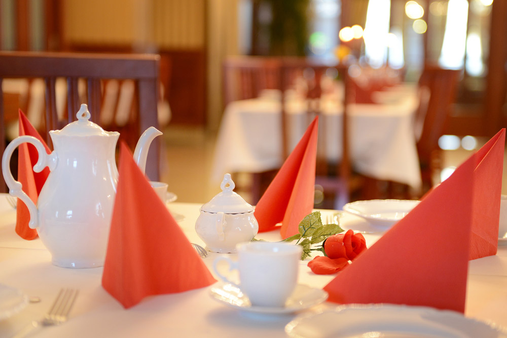 Hotel-Europa-stolovanie-foto